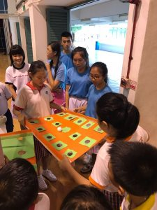 Guiding-Yuhua-Primary-students-in-their-RHD-projects-225x300.jpeg